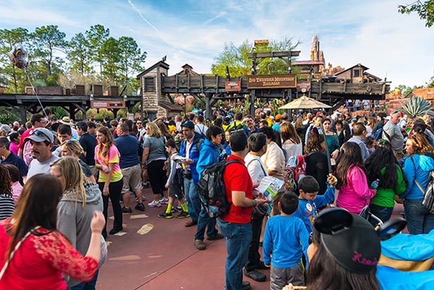 Nine by Noon might be a challenge with these crowds - Photo by WDW Shutterbug