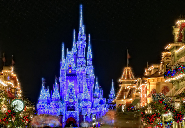 Cinderella Castle Christmas Lights.A Holiday Castle Dad Guide To Wdw The Blog