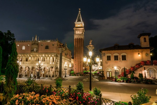 Il Bel Cristallo is to the left! – Photo courtesy of 'WDW Shutterbug'